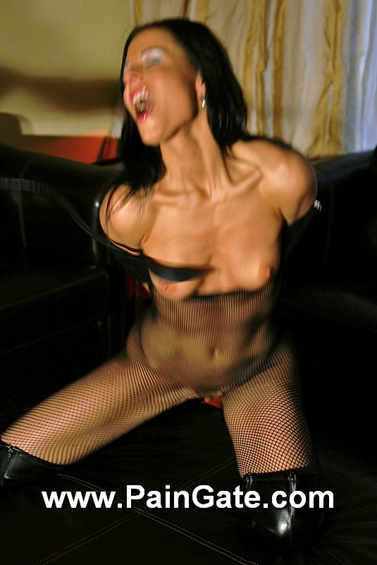bdsm picture whipping